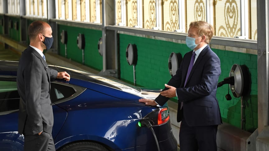 Transport Secretary Grant Shapps opens rail's largest Electic Vehicle charging hub at Hatfield Station. He is pictured with Tom Moran, Managing Director Thameslink and Great Northern (MORE PICTURES AVAILABLE TO DOWNLOAD BELOW)