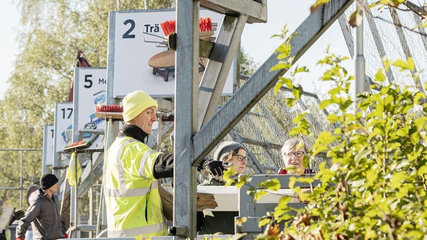 För att öka återvinningen tar Kretsloppsparken Alelyckan inte längre emot säckar med osorterat avfall. Fotograf: Ola Kjelby