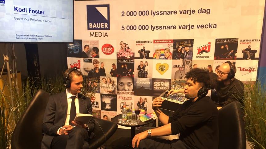 Martin Hugosson i ett intressant samtal med NextM's keynote Kodi Foster