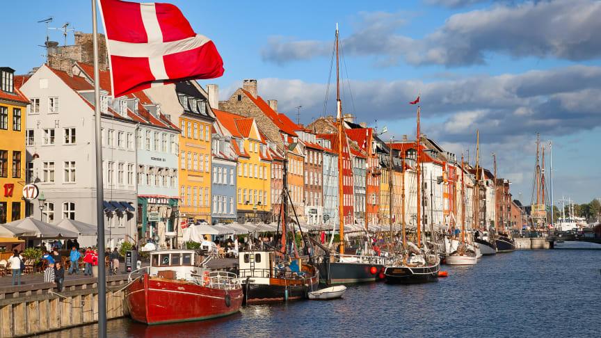 Tanskassa on noin 240 apteekkia. Apteekkitoimipisteitä on 480, joista kaksi on pelkästään verkkotilauksia varten.