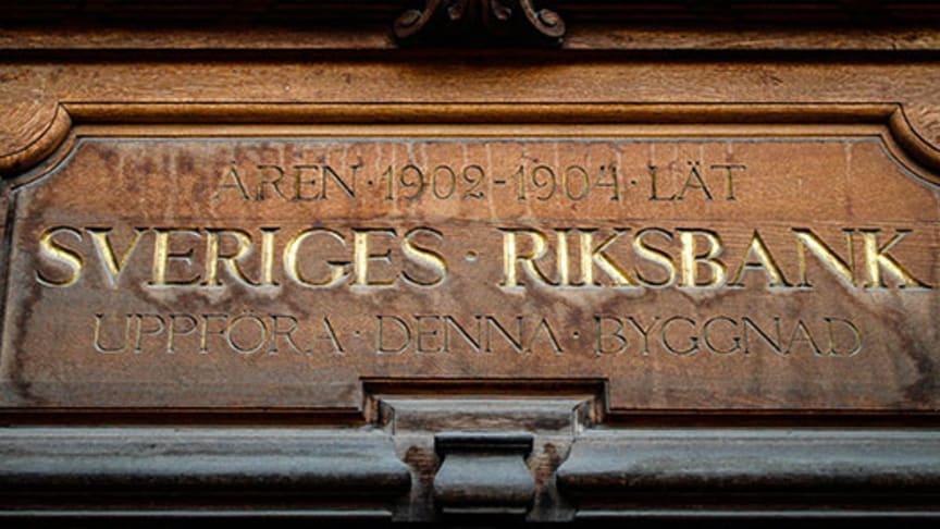 Ingen höjning i sikte av Riksbanken - kan det bli sänkning?