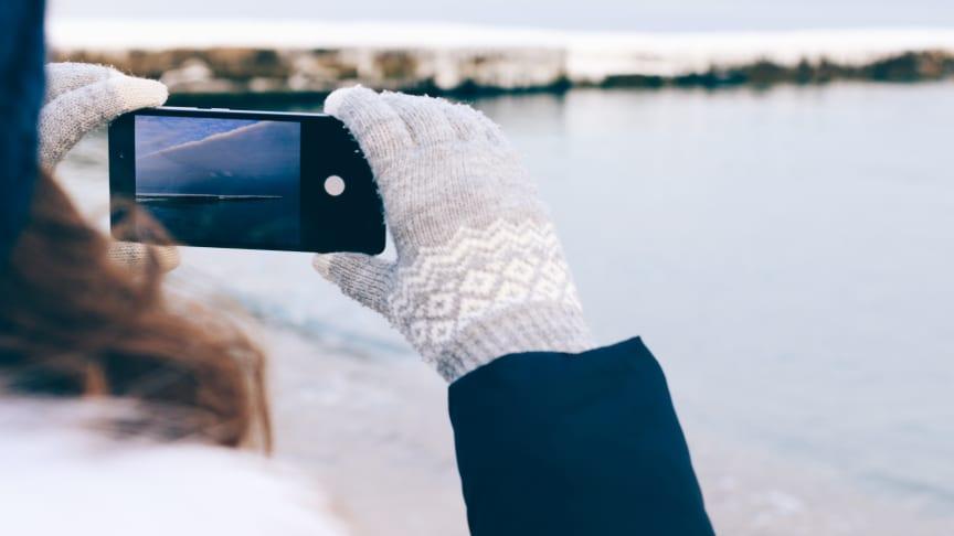 Alle mobiler på markedet i dag skal tåle en real norsk vinter, mener Tele-spesialisten hos Elkjøp Norge.