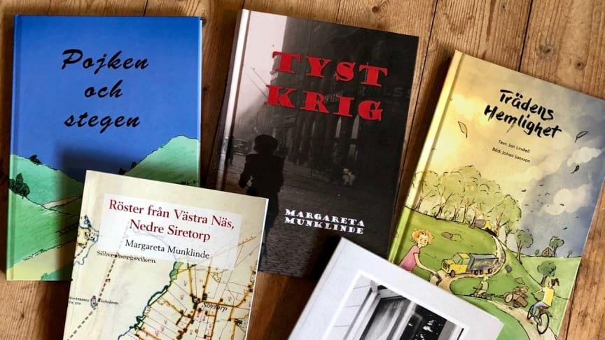 De tre författarna Anna-Lena Fexby, Jan Lindell och Margareta Munklinde berättar om sina böcker. Foto: Sölvesborgs kommun