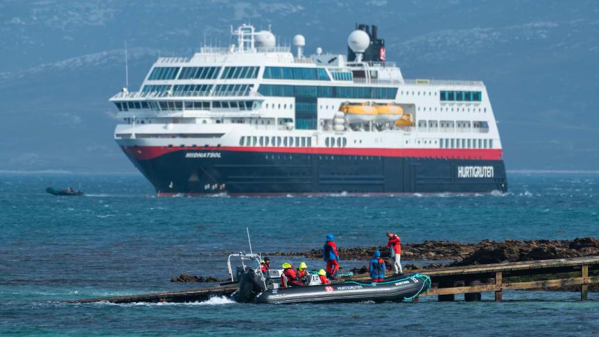 HELE KYSTEN - HELE ÅRET: Fra 2021 skal Hurtigruten starte ekspedisjonsseilinger langs norskekysten - blant annet med oppgraderte MS Maud (tidligere MS Midnatsol). Foto: KARSTEN BIDSTRUP/Hurtigruten
