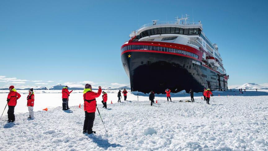Polar ice landing with MS Roald Amundsen