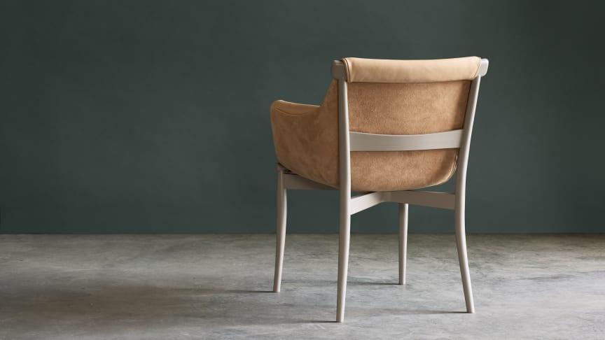 I samband med Salone del Mobile 2019 förhandsvisar Gärsnäs den nya stolen Viva i utställningen HEMMA gone wild.