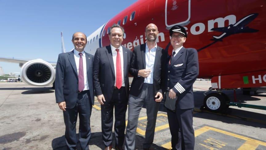 Fra venstre: Aldo Elias, president i Tourism Chamber Argentina,  Gustavo Santos, turistminister , Guillermo Dietrich, transportminister  og Ole Christian Melhus, administrerende direktør i Norwegian Air Argentina.