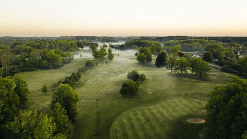 Åtvidabergs golfbana, i anslutning till hotellet
