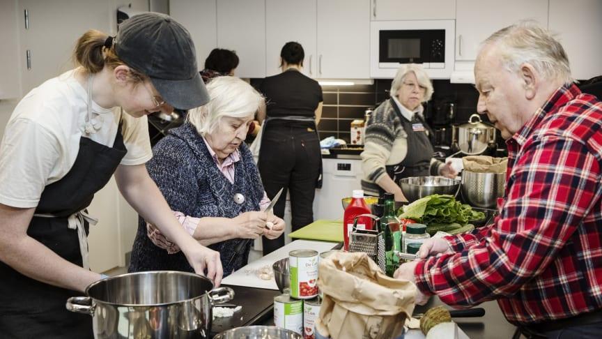 Matträffar där hyresgästerna lagar mat tillsammans var det förslag som fick flest röster i årets boendebudget.
