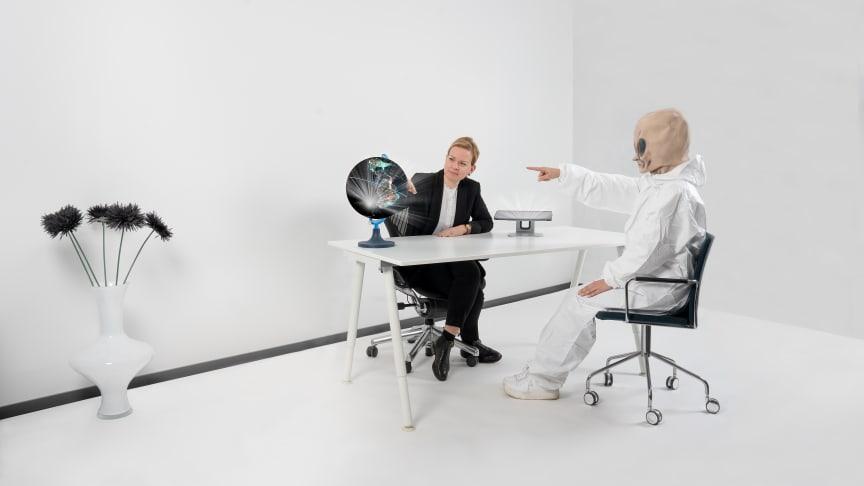 Känslokalibrerare, Kvantdatorkonsult eller Globalismkonsult?