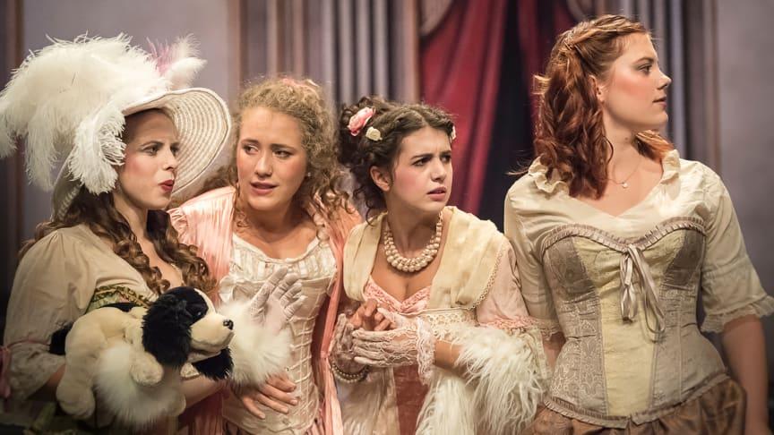 Junge Bühne Arlesheim zeigt ‹Palais Royal›, das Molière-Stück – Regie und Textfassung: Andrea Pfaehler (Foto: Christoph Weisse)