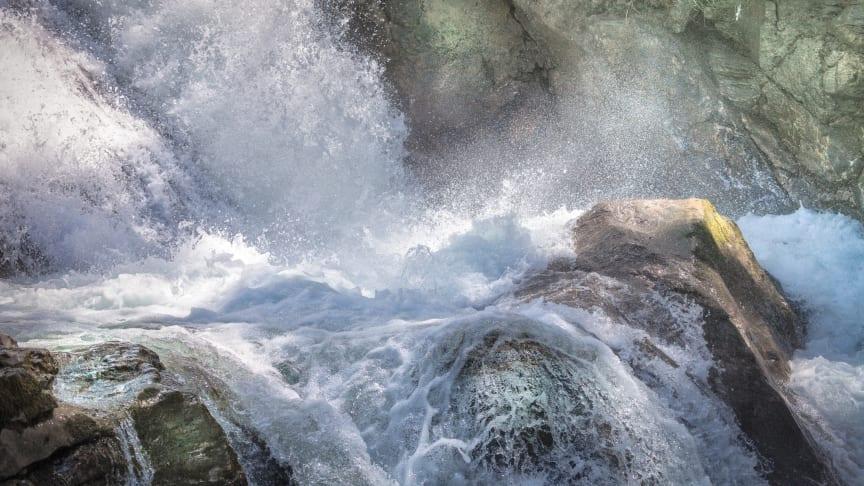 REDUXA består av aluminium producerad med förnybara energikällor såsom vattenkraft.