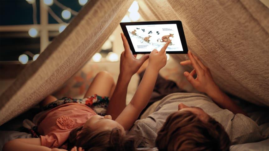 Föräldrar högläser mer sällan böcker för sina barn – och bokstunderna blir allt kortare