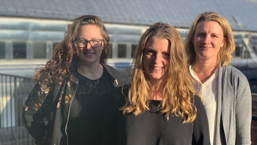 Uppsala Konsert & Kongress besöker SoftOnes huvudkontor i centrala Stockholm för utbildning i affärssystemet SoftOne GO. På bilden från vänster: Jessica Lydin, verksamhetskonsulten Anna Westerlind och Carola Örnås.