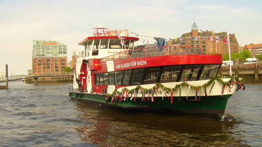 Die MS Elbphilharmonie - im DR KV-Design - wird am 1. Juni in Hamburg in Dienst gestellt.   Foto: HADAG
