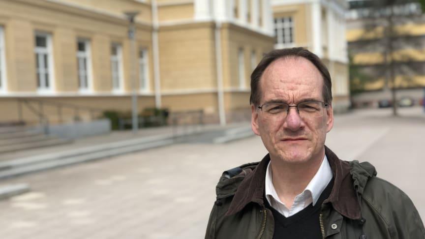 Öyvinn Björkas, lärare på Rudbeckianska gymnasiet, har tilldelats Svenska Akademiens svensklärarpris 2020