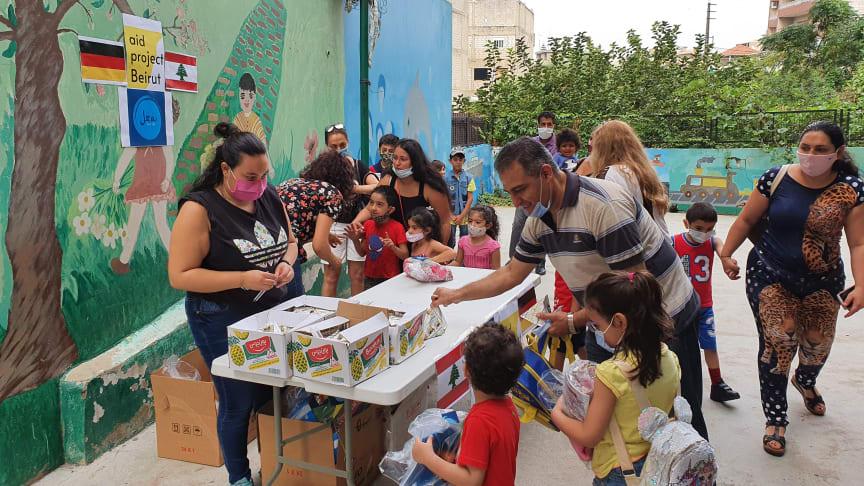 Hilfe, die ankommt: In Beirut werden die Hilfsgüter an die Menschen verteilt.