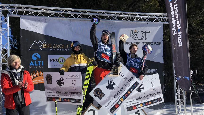 Jesper Tjäder firar sin andraplats i dagens slopestylefinal i Font Romeu. Bild: Niklas Eriksson