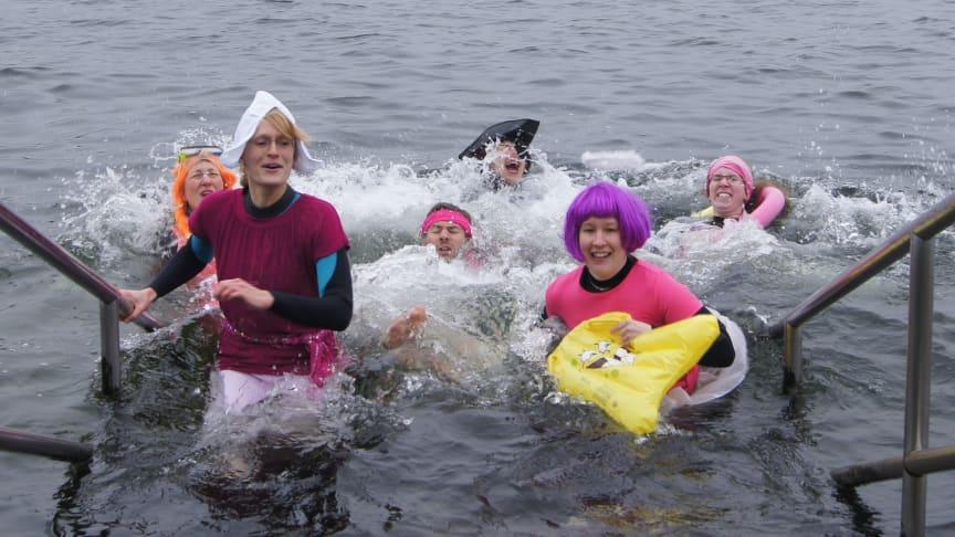Anbaden bei 2°Grad Wassertemperatur - das gibt´s nur in Kiel.Sailing.City