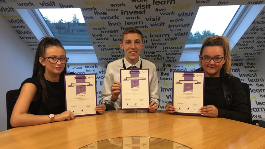 ng homes trainees (L-R) Robyn Somerville, Alan Nicolson and Lucy Brown with their Certificates.