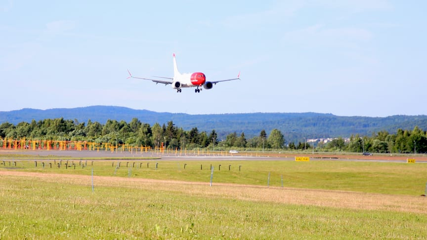 Norwegians aller første Boeing 737 MAX lander på Oslo lufthavn