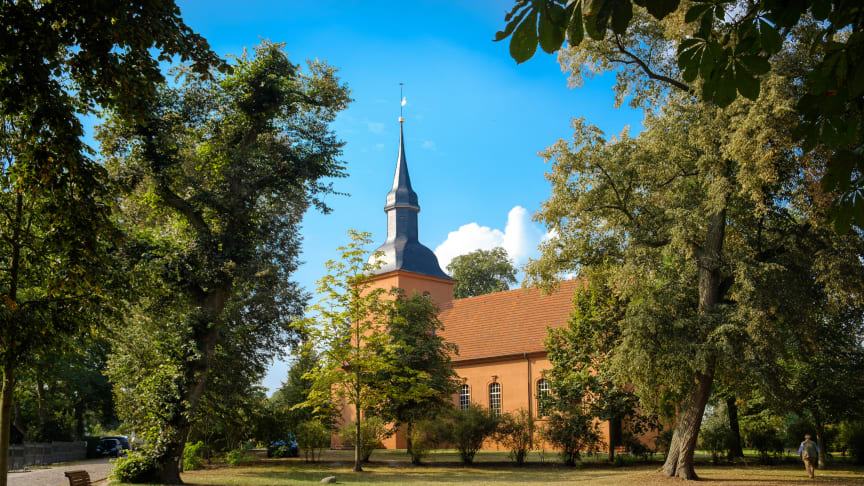 Einen Herbst-Ausflug kann man auf den Spuren Fontanes nach Ribbeck im Havelland unternehmen. Foto: TMB-Fotoarchiv/Yorck Maecke.