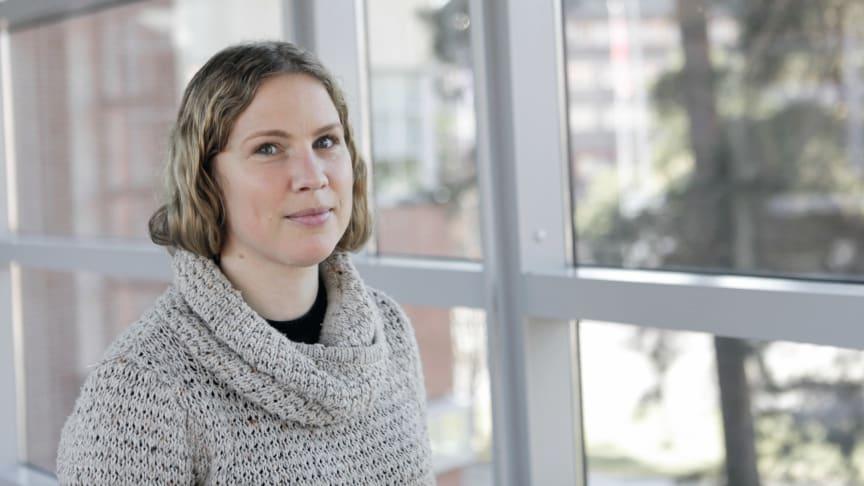 Boel Ekergård är en av flera forskare på Högskolan Väst som undersöker hur ferrit från svenska gruvor kan ersätta sällsynta jordartsmetaller i elbilsmotorer.
