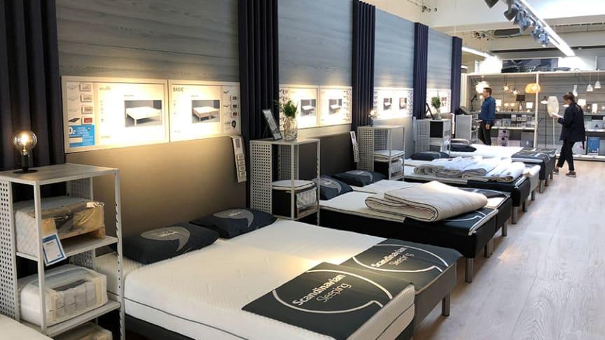 Pe 7 noiembrie, JYSK România, retailerul scandinav de mobilier și decorațiuni pentru casă, parte a grupului JYSK, inaugurează cel de-al 79-lea magazin din țară în Zalău. JYSK Zalău are o suprafață totală de 1300 mp și se află pe Strada Mihai Viteazu