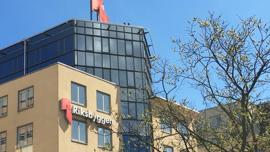 Organisationerna bakom Prisdialogen är Riksbyggen, SABO och Energiföretagen Sverige.