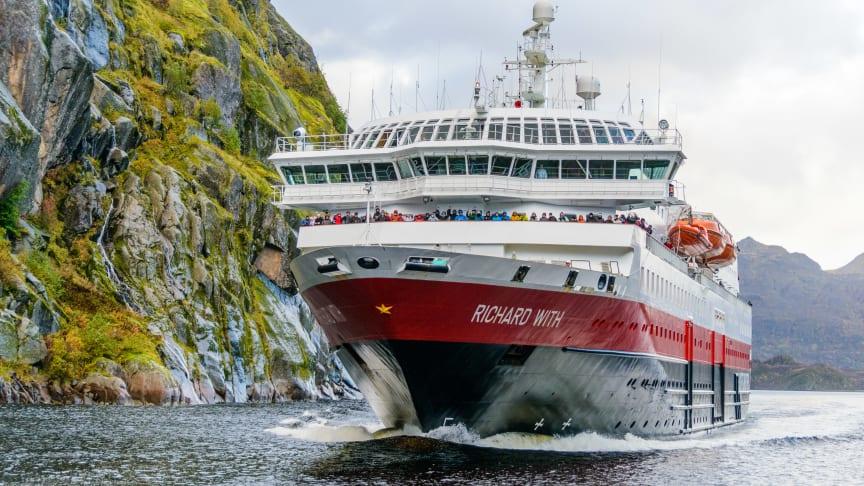 MS Richard With entering Trollfjorden. Photo: Robert Cranna / Hurtigruten Norway
