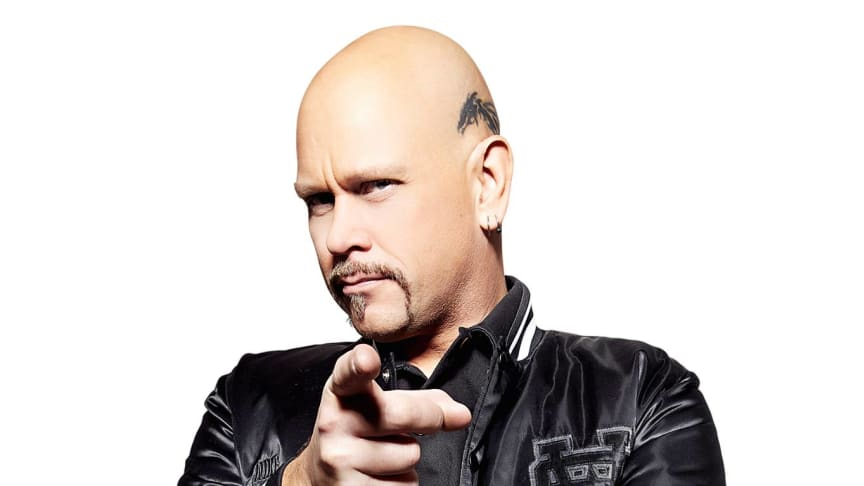 Rockstjärnan Ian Haugland lät sterilisera sig i Rockklassikers direktsändning.