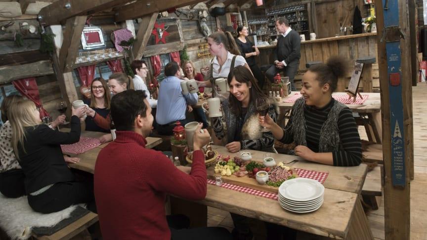 Zünftig feiern und gemeinsam eine tolle Zeit erleben: Die neue Elbalm Hütte macht´s möglich.