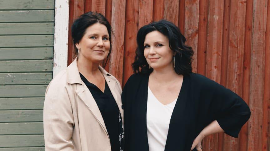 Anna Wikholm Kjellberg, affärsutvecklare eXpression Umeå och Annakarin Nyberg, affärsutvecklare och programansvarig eXpression Future Retail Lab. Foto: Bea Holmberg.