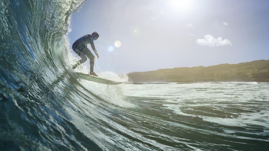 Mit der Instinct Solar Surf Edition können ab sofort Informationen zur Surfzeit, der maximalen Geschwindigkeit oder der längsten Welle aufgezeichnet werden.