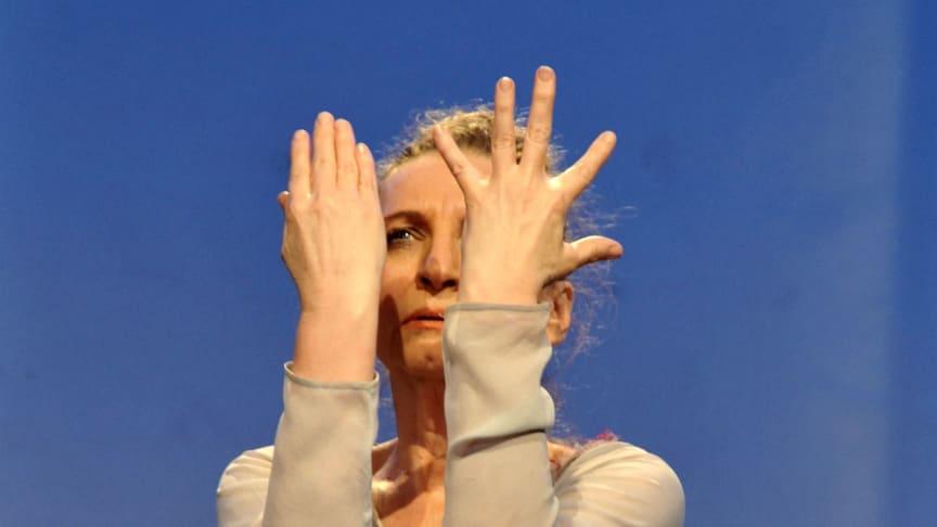Eurythmistin Brigitte Mathisen (Foto: Marion Borriss)