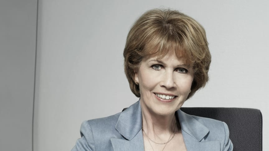 Dr. Christa Maar, Vorstand der Felix Burda Stiftung, an ihrem Arbeitsplatz
