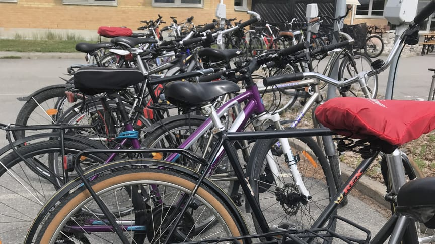 Cyklar fyllde parkeringen på hållbarhetsdagen.