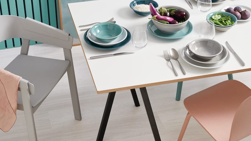 Ice Blue, Moon Grey, Night Blue: die neuen Farben beleben den zeitlosen Thomas Klassiker Trend.