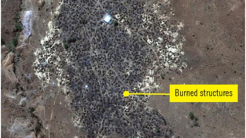 Bilden är från den 29 April 2016 och visar hur byn Karmal i Sudan har blivit så gott som helt nerbränd.  © DigitalGlobe