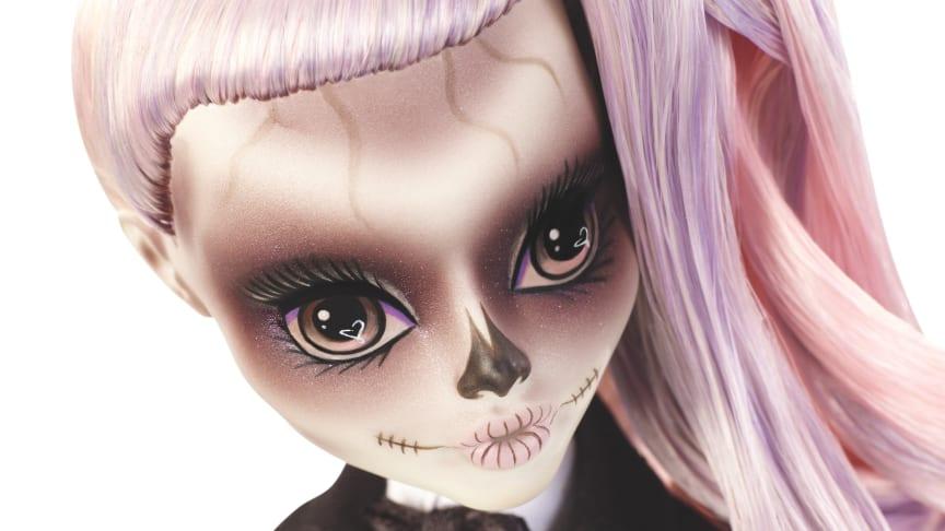 Zomby Gaga - eine Puppe inspiriert von Lady Gaga