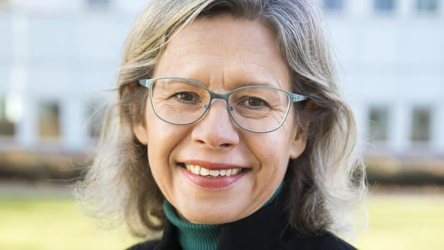 Elisabeth Wåghäll Nivre, professor i tyska, vid Stockholms universitet är ny arbetande ledamot i Kungl. Vitterhetsakademien. Även Neil Price, professor i arkeologi vid Uppsala, är ny arbetande ledamot.