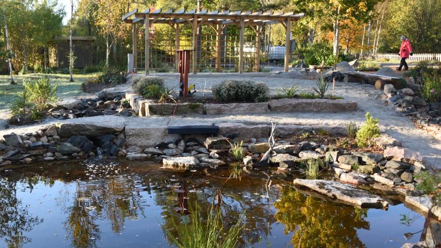 I Eringsboda har ideella krafter med hjälp av försköningsmedel skapat Nordensköldsparken. Fotograf: Claes Wiberg, Eringsboda Samhällsförening