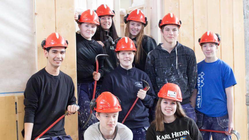 Elever från Bygg- och anläggningsprogrammet på Ösby Naturbruksgymnasium, foto Maria Andersson