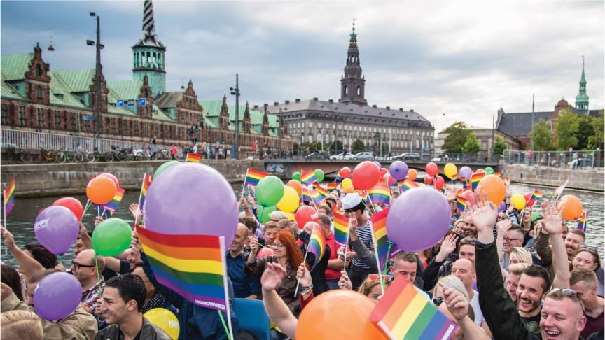 Copenhagen 2021 WorldPride er i gang og overalt i byen ses det karakteristiske regnbuefarvet flag. Foto credit: Copenhagen 2021