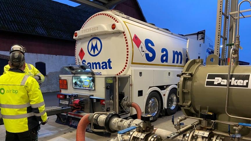 Leverans av biojetbränsle till Ängelholm Helsingborg Airport i samband med premiärleveransen via Fly Green Fund.