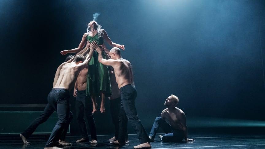 Siren med Dansk Danseteater gästspelar på Skånes Dansteater i Malmö 21 sep 2019.
