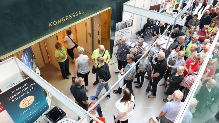 Fullt hus på Släktforskardagarna i Borås