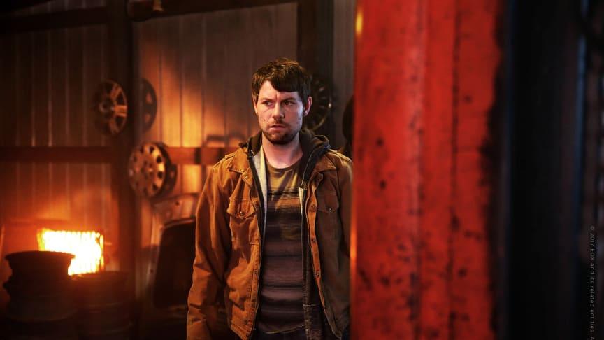 Besvärande hemligheter från Kyles förflutna kommer upp till ytan i säsong två.