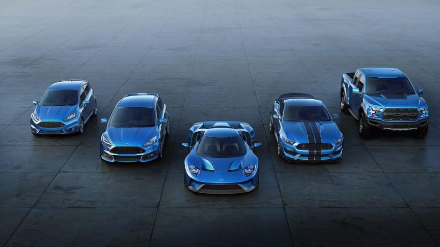 RÅESTE: Det siste og råeste som har kommet fra Ford Performance er den mer enn 600 hk sterke supersportsbilen Ford GT. Den er utsolgt i flere år fremover allerede.