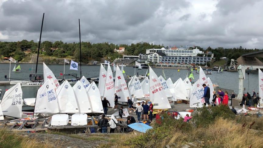 Deltagarna på väg till start i Lilla Tjörn Runt 2019